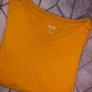 Gold t-shirt size small